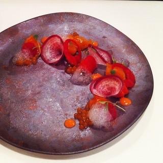 レストラン セビアン - 料理写真:秋鮭といくら、フルーツトマトのソース ディナーメニュー