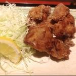 やきとり平助 - 本日の唐揚げダイエットランチは横浜の立ち飲み屋の唐揚げ定食。380円にしては、ちゃんと揚げたてで肉もジューシー。