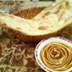インド・ネパール料理 FULBARI - マトンカレー、プレーンナン