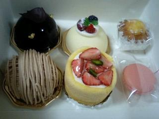モナミ洋菓子店