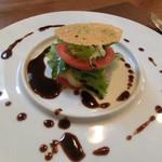 レストラン エスカリエ - トマトとホタテのガレット、バルサミコソース