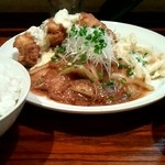 ボンバーキッチン - チキン南蛮 ポークジンジャー定食