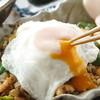 アジアンシーズン - 料理写真:とろ~り卵のナシゴレン!絶品です!!