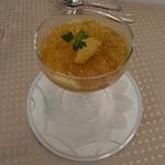 コートヤード・マリオット銀座東武ホテル - 美味しいニンジンムースに雲丹とコンソメジュレをまとわせて