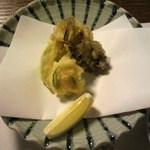 よし野 - 揚げ物、舞茸、アボカド、山芋と海老のせ