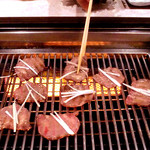 焼肉いつものところ - 東京でも珍しい水蒸気の熱を使って焼く、和牛に適したロースター