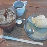 ぽっぽの木オーガニック・カフェ - ポーポーアイスとアイスティ