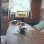 ぽっぽの木オーガニック・カフェ - 広いテーブル
