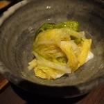 魚料理 ろっこん - 白菜のお漬物は3人前で来ます。