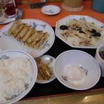 テンホウ  - 野菜炒め定食680円