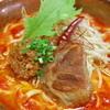 あがり家 - 料理写真:手作り肉ラー油に唐辛子などで辛さを加えた激辛の「赤ラー油そば」
