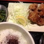 やきとり平助 - 唐揚げ定食380円!