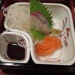 魚菜おかずいろいろ - お造り かんぱちとサーモン