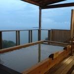 15247257 - 宿にいくつかあるうちのお風呂です。