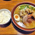 麺屋 一本気 - みそらー麺・めんま(大盛)& 半ライス(2012年10月)