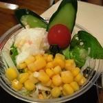 イクスピアリ・キッチン 舞浜洋食軒 - 「洋食軒セット」(300円)のカップサラダ