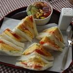 ナイスウェーブ - 料理写真:焼き卵サンドセット