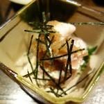 銀蕎麦國定 - 鶏刺し柚胡椒和え(¥600)。