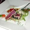 コルテラルゴ伊豆高原 - 料理写真:鮪の炙りカルパッチョ 黒胡麻風味 イタリア産オリーブと自家製ピクルス添え