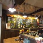 太陽のトマト麺 - 店内の様子