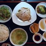 シンガポール料理 梁亜楼 - 海南鶏飯空撮