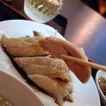 シンガポール料理 梁亜楼 - 鶏 持ち上げ