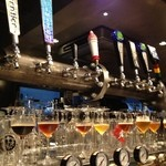 テイキー - アメリカンクラフトや国内のクラフトビールが樽生で最大8種類!