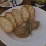 15420173 - 鶏のレバーのパテ。トーストはお代わりOK