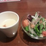 15425816 - ランチメニューなのでスープとサラダが付きます