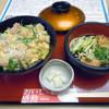 みほり峠 - 料理写真:「親子丼(冷やしうどん付)」960円