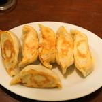 餃子のハルピン - 料理写真:2012.10 ニラ餃子(520円)を焼餃子で