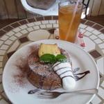 alii cafe - ランチのドリンクと、シフォンケーキ単品