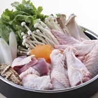 新鮮な近江軍鶏の刺身から軍鶏鍋にこだわりの飲み放題メニュー