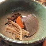 やまめ山荘 - 『桜』コースの山菜の盛り合わせ