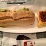 Cafe echelle - エビ・アボカドのサンド