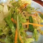 小龍 - ディナーセットのサラダ