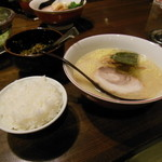 百歩ラーメン - 料理写真:百歩ラーメン