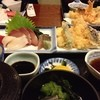 活魚料理 あきやま - 料理写真:「あきやま定食」です。お刺身+天ぷらに小鉢がつきます。