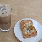 SLOPE - カフェモカとクロックムッシュ(パンは平日のみ)