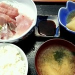 朝漁亭 丼 -