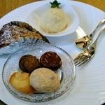 エレファントスイーツ - よくばりセット:自家製アイスと本日のケーキと焼き菓子
