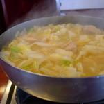 15554008 - グツグツと煮えてます。