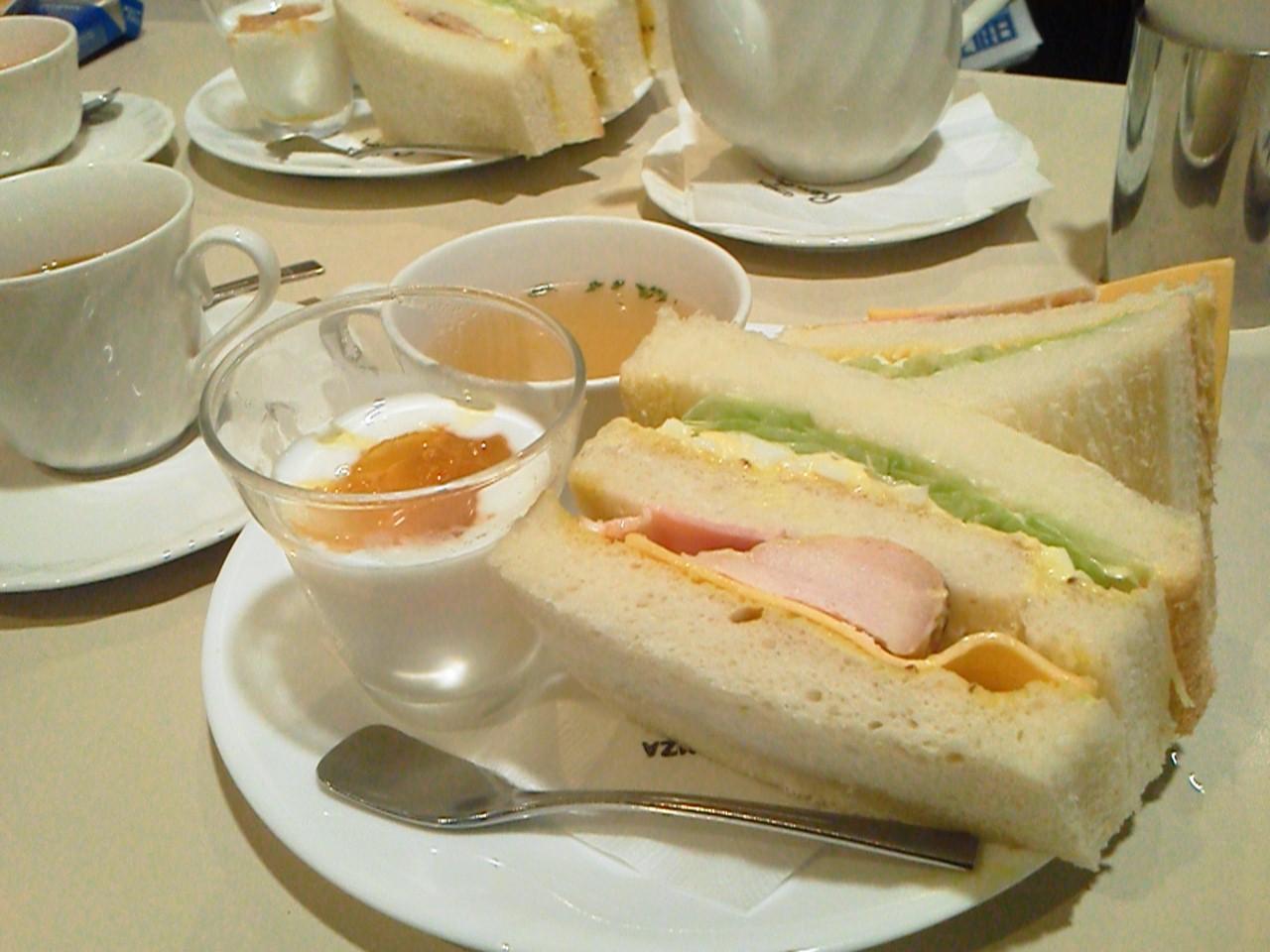 喫茶室ルノアール 日本橋高島屋前店