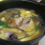 食彩や魚太郎 - マスター&奥さん?で山から採ってきたとう地キノコたっぷりのキノコ鍋!