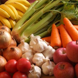 豊富な野菜をじっくり煮込んで、じっくりねかせたカレーです♪
