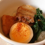 オリーブ - 豚の角煮丼アップ