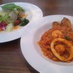 NOCE - 魚介のトマト煮リゾットとサラダ