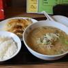 宝塔 - 料理写真:大餃子3本、ライス、半ラーメンのセット(900円)、50円加算して半ラーメンを辛味噌に