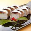 貫路 - 料理写真:長崎五島列島で採れた生サバは、醤油ベースの出汁で締めた逸品
