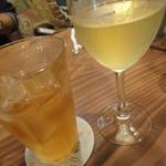 モダナークファームカフェ - 白ワインを選んだよ(^^)